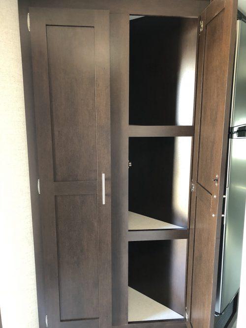 2019-Sportsmen-LE-241RLLE-Inside-storage