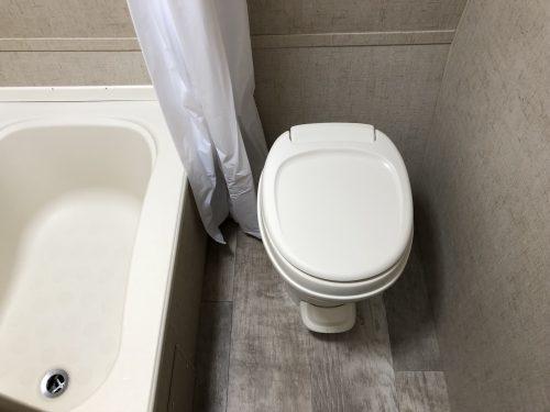 2018-Sportsmen-Classic-180BH-Bathroom