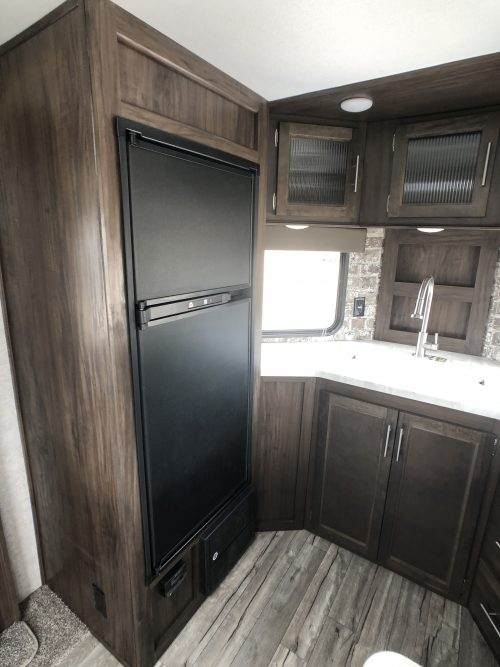 2019-Cherokee-274VFK-Front-Kitchen