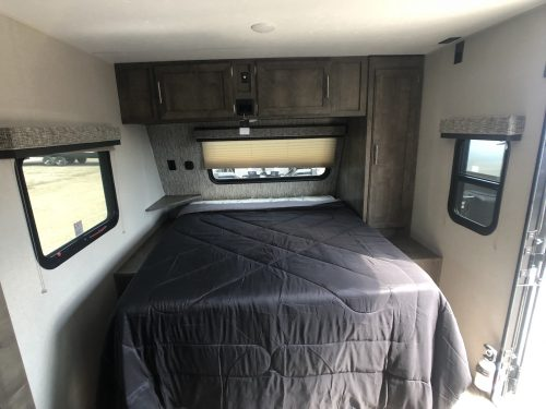 2019-Escape-231BH-Master-Bedroom