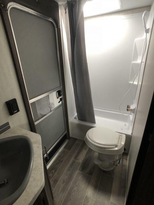 2019-Grey-Wolf-23DBH-Double-Entrly-Door-Bathroom