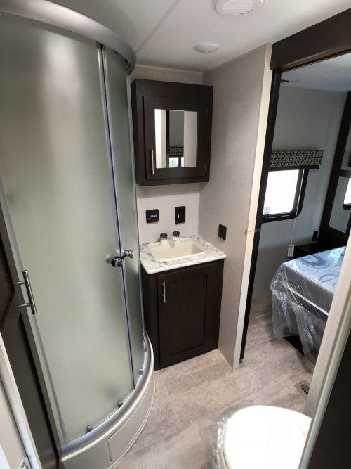 2019-Sportsman-LE-291RKLE-Master-Bathroom