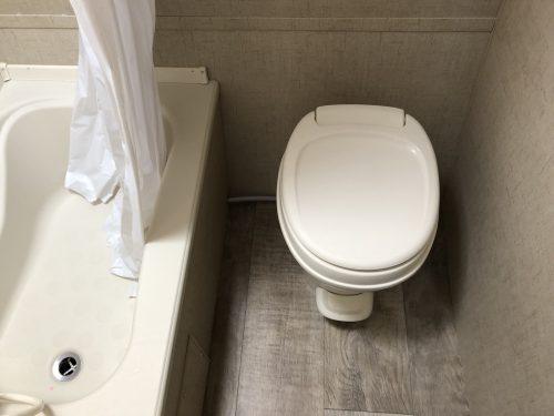 2019-Sportsmen-Classic-181BH-Bathroom