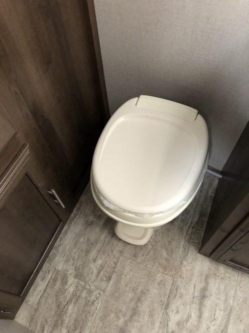 2019-Spree-Escape-181RB-Bathroom