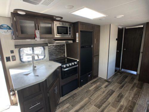 2019-Cherokee-294BH-Travel-Trailer- Kitchen