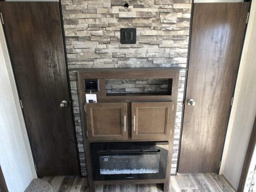 2019-Forest-River-Cherokee-294BH-Entertanment-