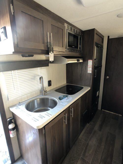 Full-RV-kitchen