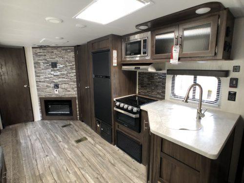 2019-cherokee-264DBH-Full-Kitchen