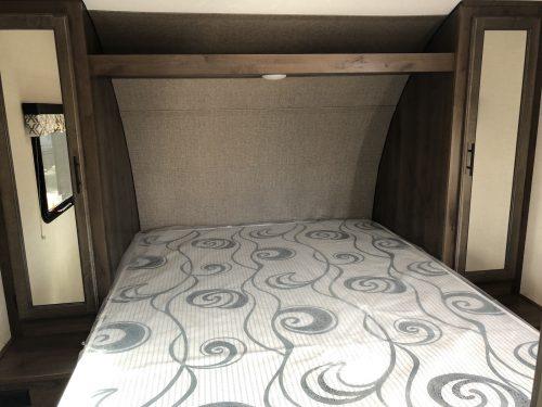 2019-KZ-Connect-241RLK-Master-Bedroom
