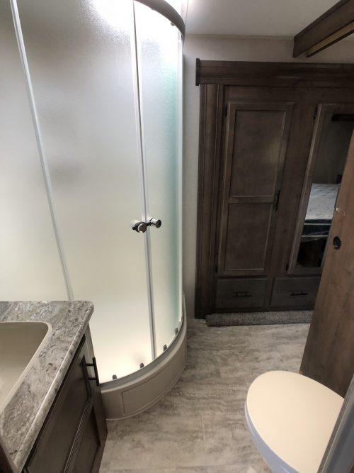 2019-Spree-Connect-303RL-Bathroom