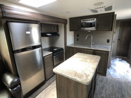 2019-Spree-Connect-303RL-island-Kitchen