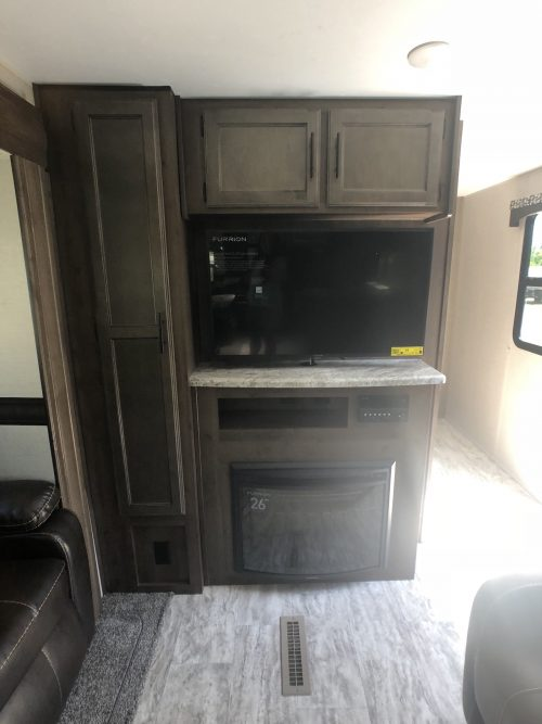 2019-Spree-Connect-312RKK-Living- Room-06