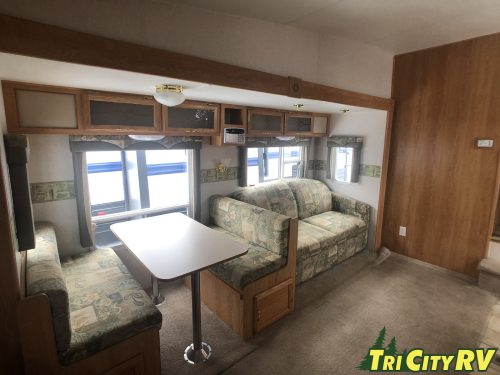 Main Living area of the 26RK Cruser