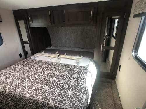 2020-Sportster-280Th-Master-Bedroom