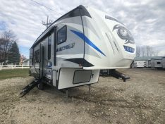 Forest River Arctic Wolf 24ft Rear Kitchen Fifth wheel