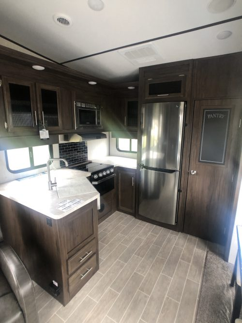 Arctic-Wolf-Rear-kitchen-Fifth-Wheel