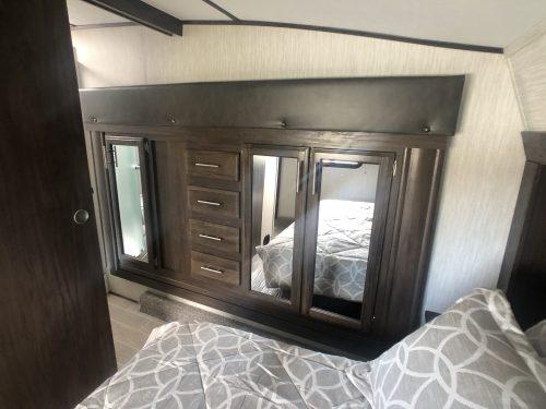 Arctic-Wolf-bedroom-Slideout
