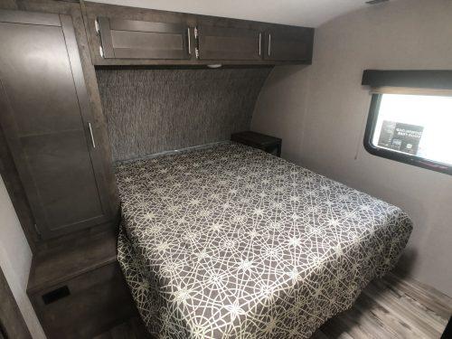 2020-KZ-Spree-Connect-Master-Bedroom