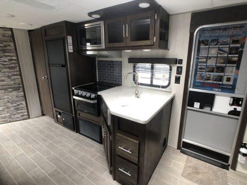 Grey-Wolf-29TE-Full-Kitchen