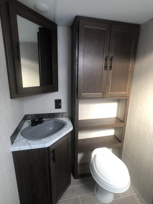 2020-Grey-Wolf-23MK-bathroom