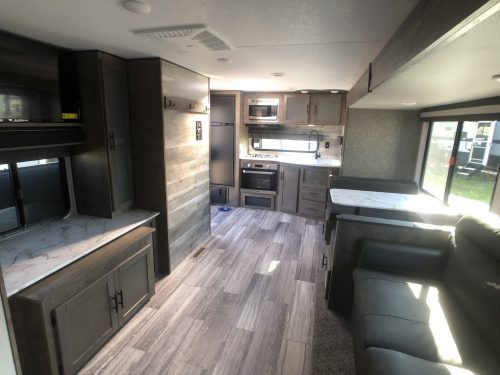 2020-KZ-Connect-Living-Area