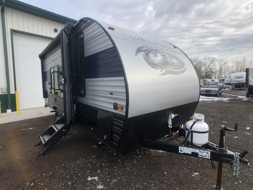 outside view of the 16FQ Light weight travel trailer